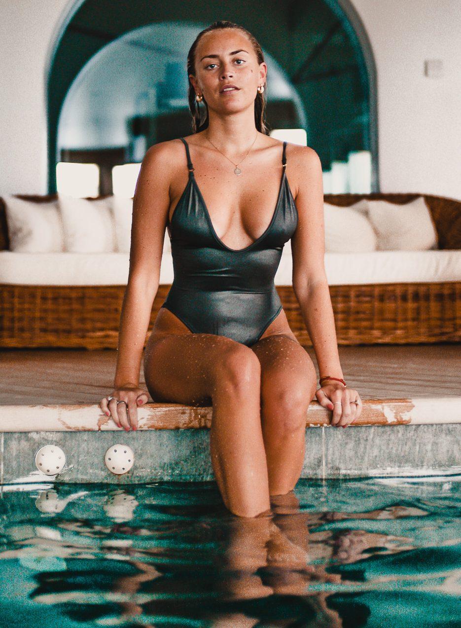 Janni Delér Sexy Pictures (41 Pics)